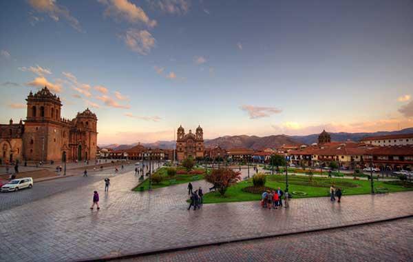 لیست 10 میدان برتر دنیا - میدان پلازا د آرماس پرو
