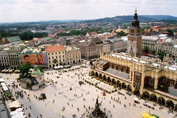 لیست 10 میدان برتر دنیا - میدان رینک کارکوف لهستان