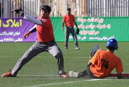 پایان مسابقات بیس بال کشوری در اصفهان