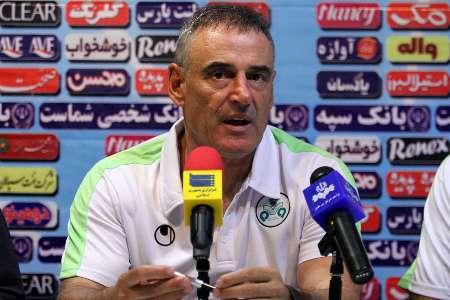 سرمربی تیم فوتبال ذوب آهن اصفهان استعفا داد