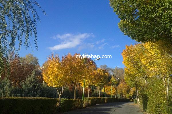 زیبایی های دهکده تفریحی چادگان در پاییز