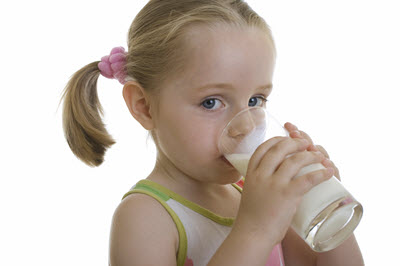 مصرف سرانه شیر ایران نصف سرانه دنیا است