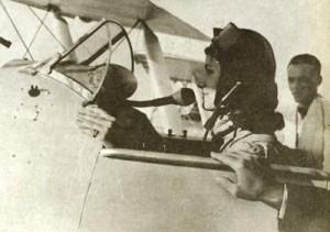 اولین زن خلبان ایران+تصویر